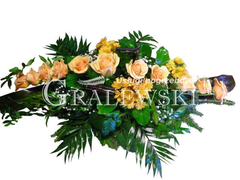 4. Stroik na trumnę 200,00 PLN róża łososiowa