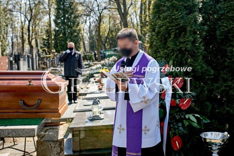 Pogrzeb (20)