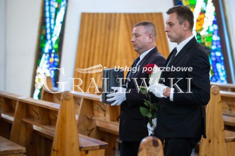 Zakład pogrzebowy (1)