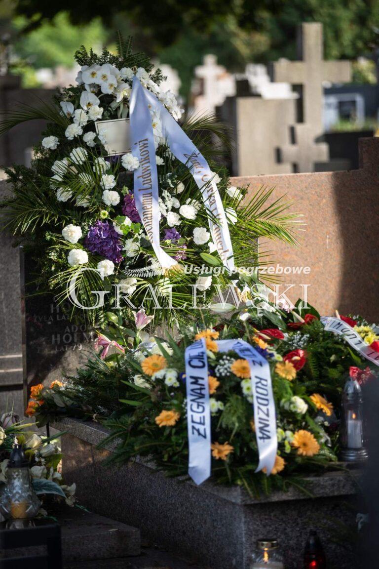 Zakład pogrzebowy (11)