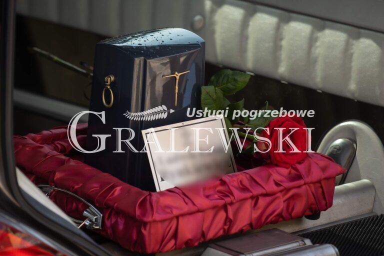 Zakład pogrzebowy (2)