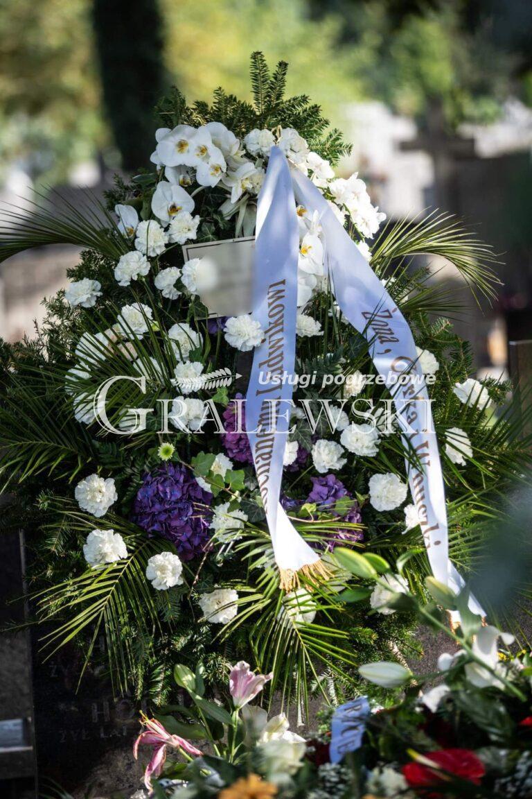 Zakład pogrzebowy (9)